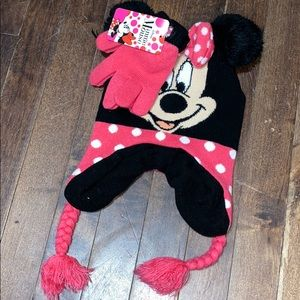 NWT minnie mouse winter hat & gloves
